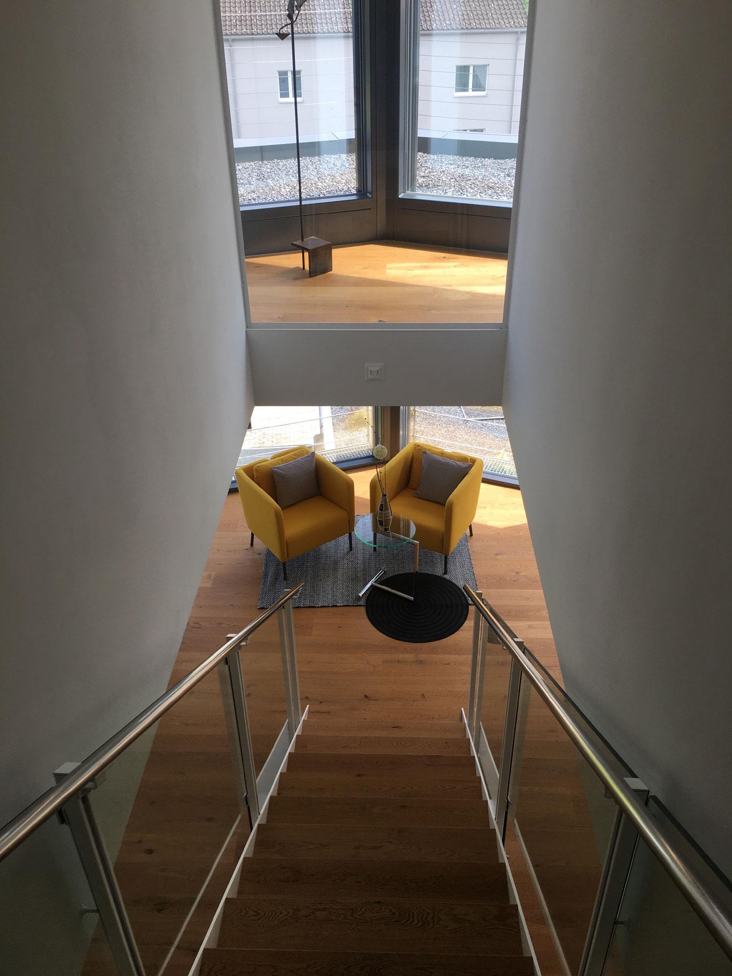 treppenhaus-mittig-novosbau